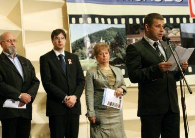 0_2011-kiallitas3